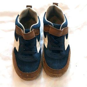 Oshkosk denim hook and loop closure shoe